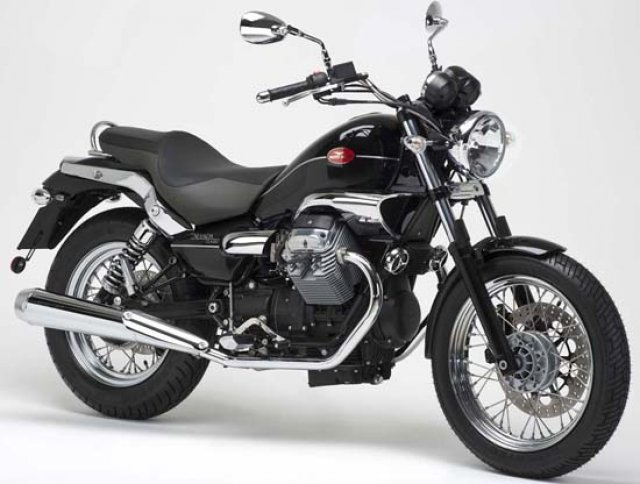 moto guzzi nevada classic 750 viaggiare in moto. Black Bedroom Furniture Sets. Home Design Ideas